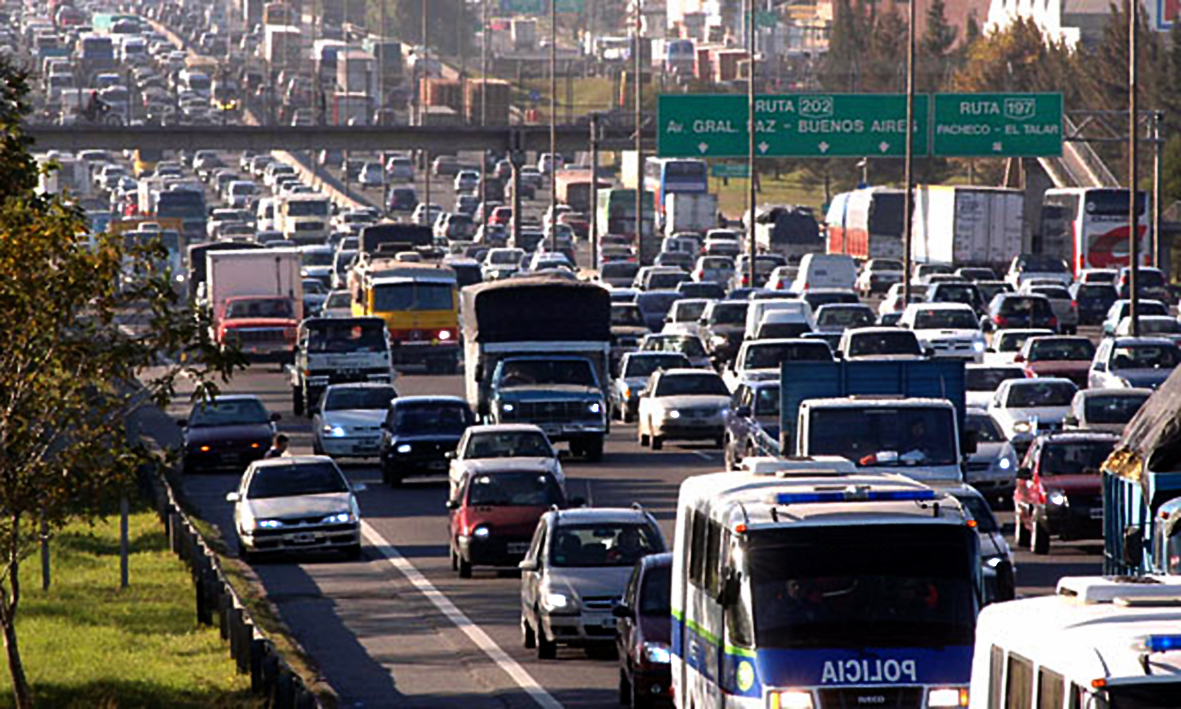 Traffic at the 25 de Mayo Highway in Buenos Aires