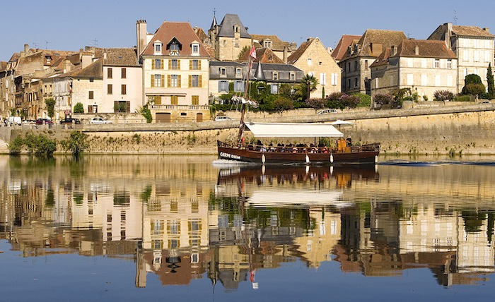 A scenic view of old Bergerac, France