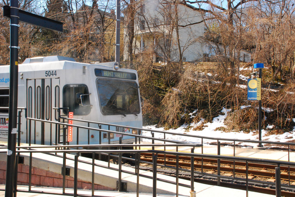 Hunt Valley-BWI light rail train - Baltimore Region