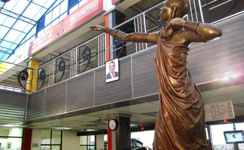 Syokimau Statue