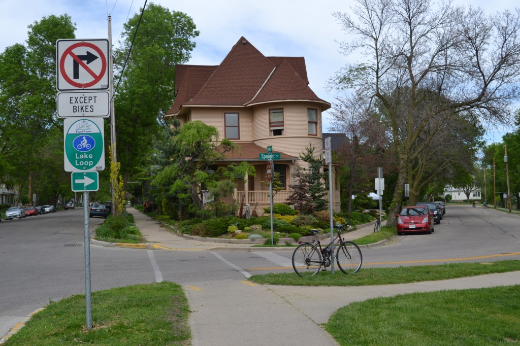 "The ""bike loop"" in the Williamson-Marquette Neighborhood, Madison, Wisconsin"