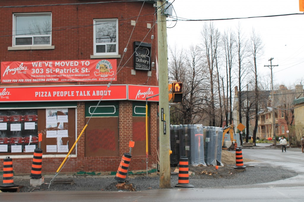 Struggling business on Rideau Street - pizza store relocating