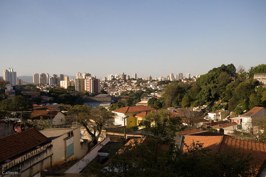North view of Rua  Tonelero, Alto da Lapa neighborhood, city of S‹ao Paulo, Brazil