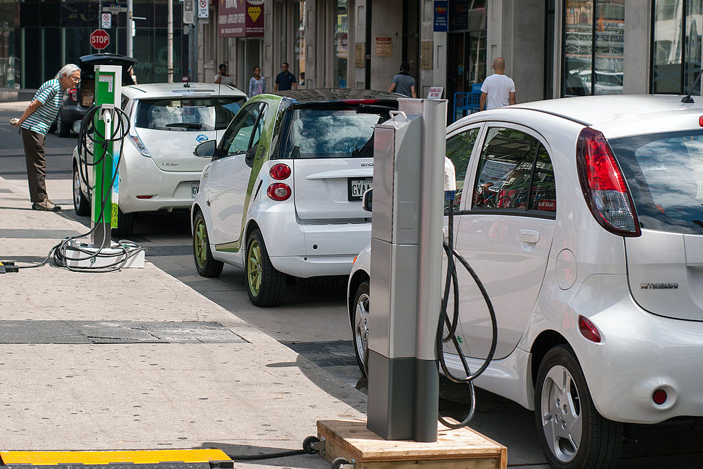 Ride and Drive EVs Plug'n Drive Ontario, Canada