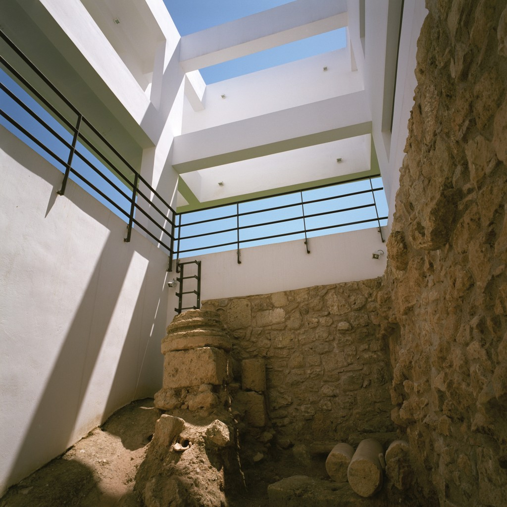 House surrounding excavations, Ancient Corinth, Greece