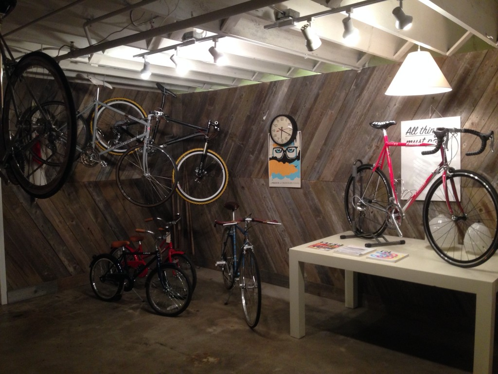 Dundee Cycles and Provisions, Dundee Happy Hollow, Omaha, Nebraska