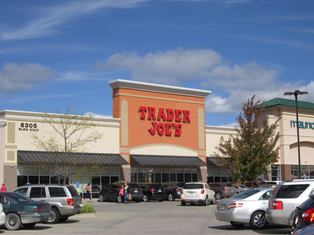 Des Moines, Iowa suburban grocery store