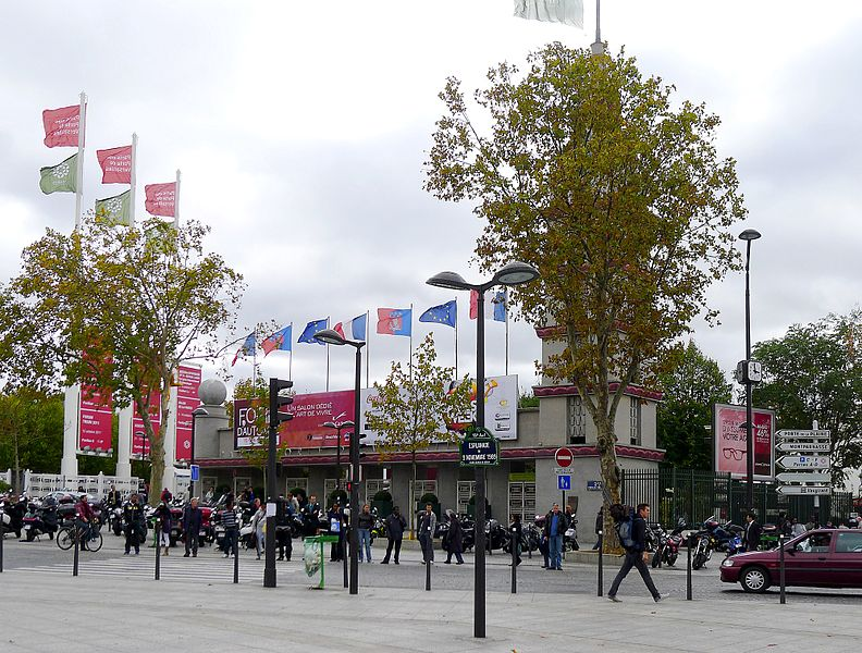 Herzog de meuron 39 s triangle tower faces opposition in for Parking parc expo porte de versailles