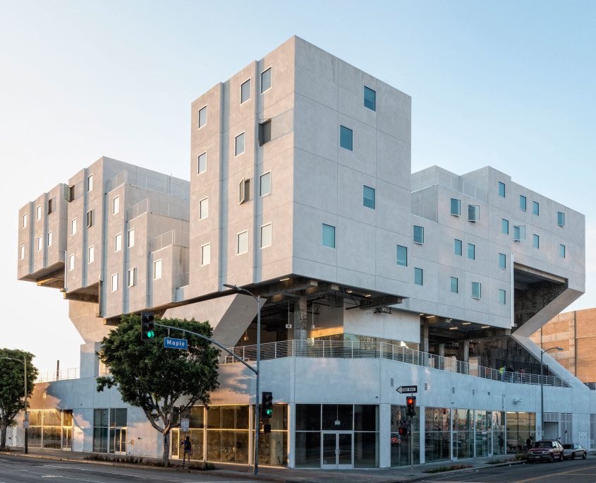Los Angeles, California housing for the homeless, Star Apartments