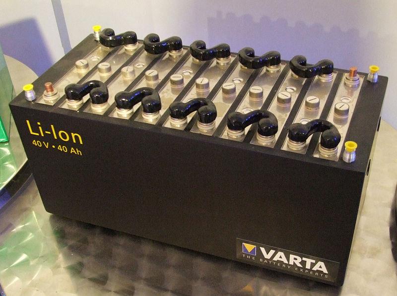 Lithium-Ion Battery Accumulator