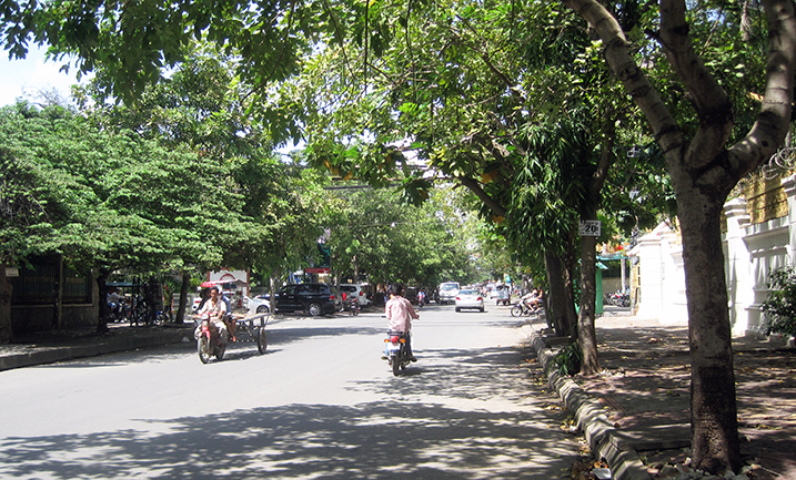 Typical street of Phnom Penh, Cambodia