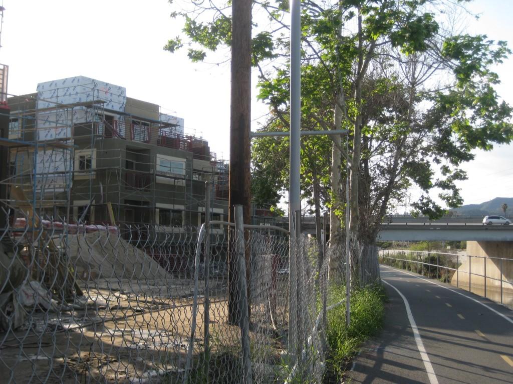 DakeLuna Consultant's project: River Lofts, Los Angeles, California