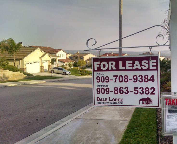 Sign advertising a house for lease in Highland, CA