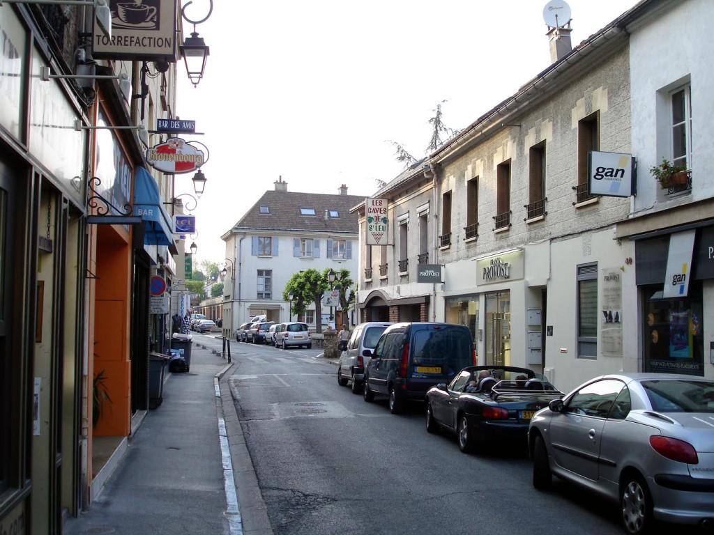 Rue General Leclerc, Saint-Leu-la-Foret, France