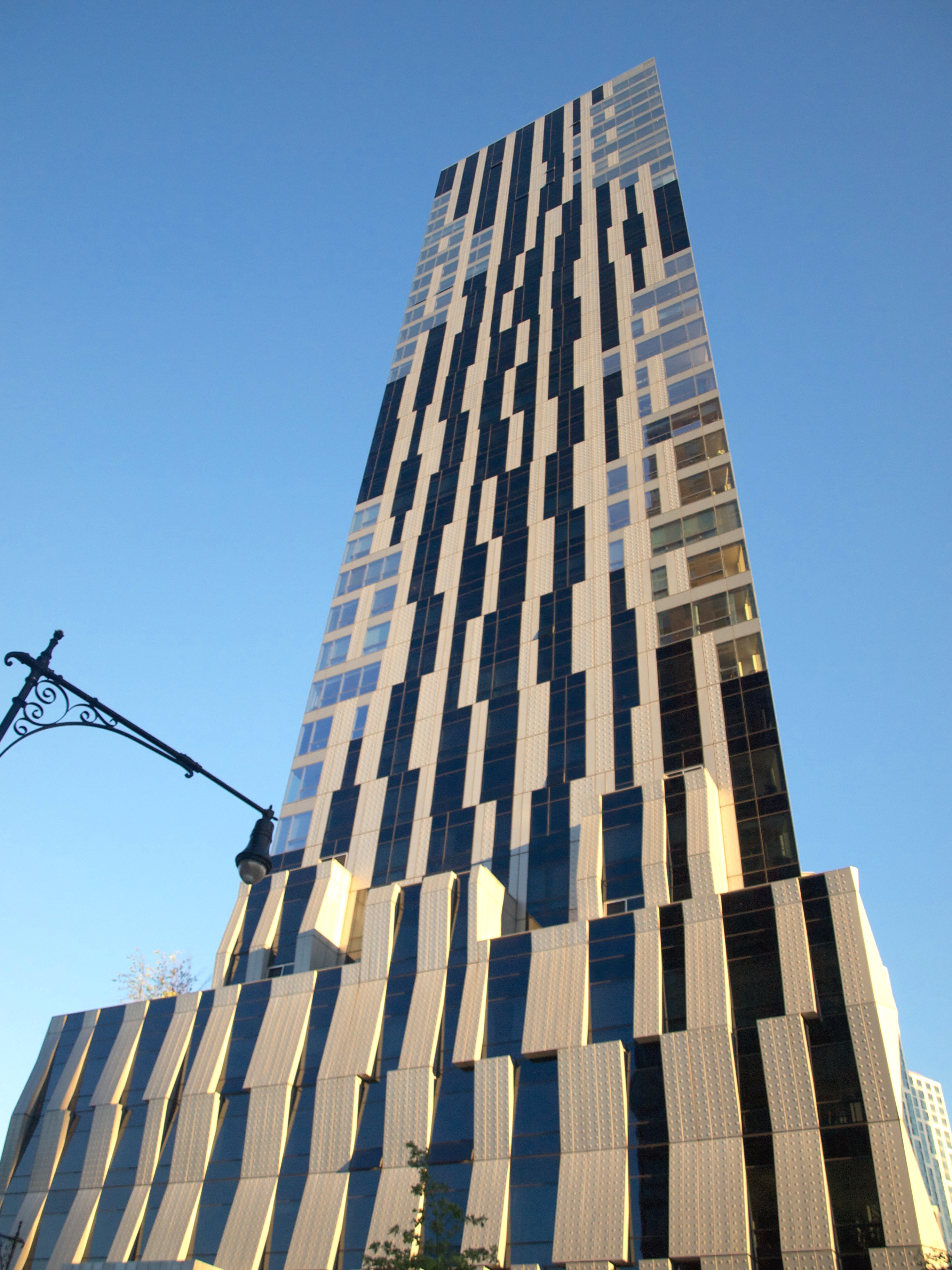 Toren Condominium in Brooklyn, New York City, New York. Up close, the rain screen becomes more apparent, as the face of the building is not perfectly flat.