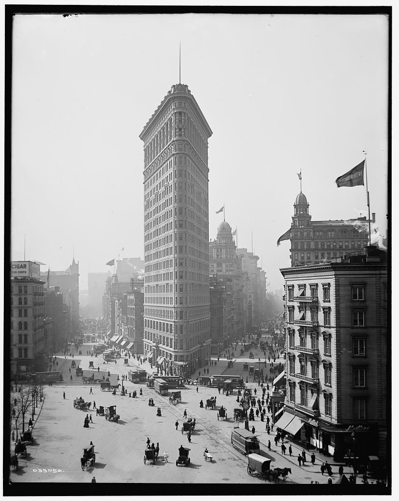 At the time it opened, the Flatiron Building towered over its surroundings as one of the first skyscrapers in New York City. While the shape of the building has always made it iconic, the fact that it was significantly taller than everything around it made it especially groundbreaking.