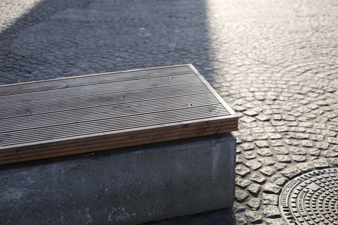 While some of the counter-terror concrete blocks in Dam Square are visible signs of security, others have been altered to be more nuanced; blending into the urban design as benches.