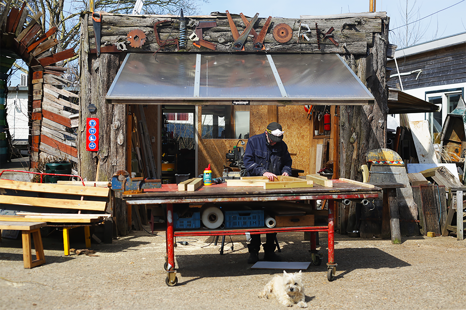 A woodworker contributing to the De Cuevel community, Amsterdam-Noord